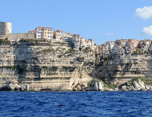 Corse du Nord ou Corse du Sud : laquelle choisir pour ses vacances ?